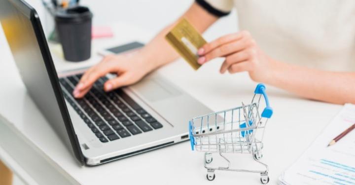 Kupovina onlajn uz plaćanje karticom